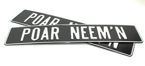 POAR NEEM'N - PLAQUE D'IMMATRICULATION - NOIR AVEC IMPRESSION BLANCHE